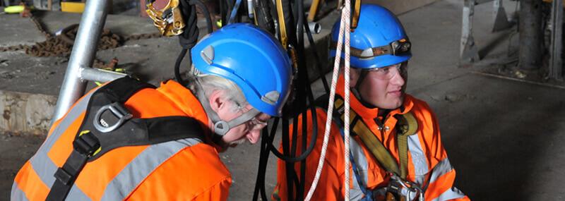PMP Utilities workers briefing