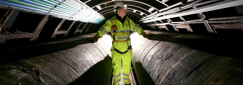 PMP Utilities confined space regulations, specialists in confined space and rope access regulations, risk assessments and methods
