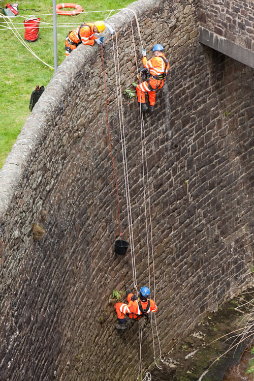 PMP Utilities wall climbing rope access